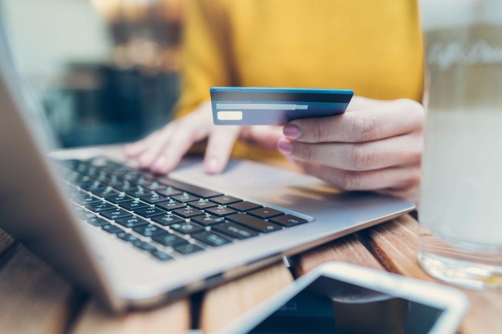 E-commerce là gì? Kiến thức vận hành Ecommerce căn bản cần biết