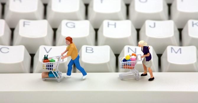 khách hàng mua hàng online họ có nhu cầu lớn hỗ trợ tư vấn nhiều hơn
